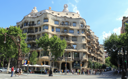 Nuevos datos muestran por qué Airbnb recurrirá las multas impuestas por Ada Colau en Barcelona