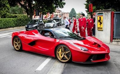 Los 499 Ferrari LaFerrari producidos tendrán que visitar el taller