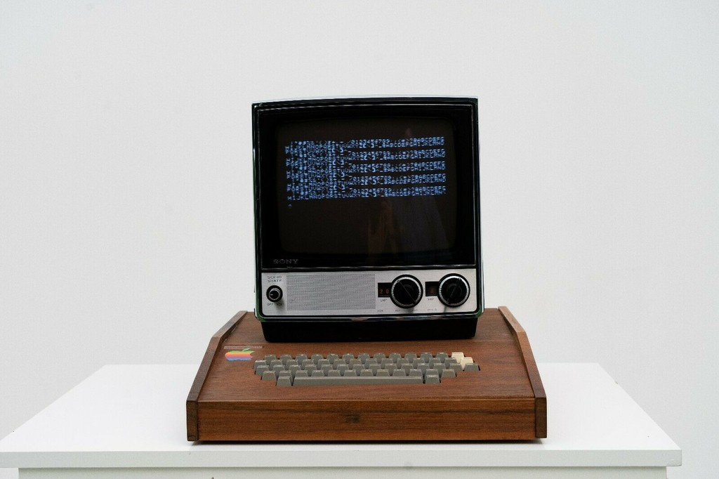 Alguien está subastando un Apple-1 original en Ebay y su costo comienza en 1,75 millones de dólares