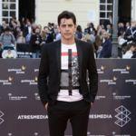 Eduardo Noriega clausura el Festival de Cine de Málaga con looks informales