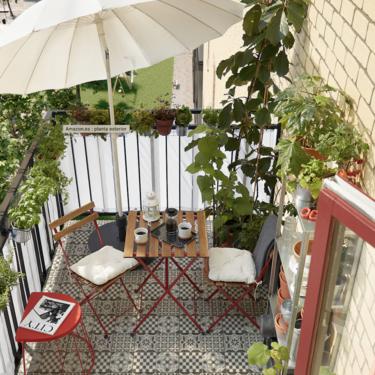 Cómo organizar una terraza o un jardín fresco para disfrutar del verano si no tienes espacio para una piscina