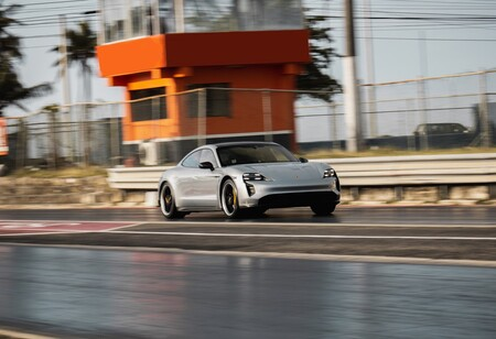 Porsche Taycan Record Cuarto De Milla 1