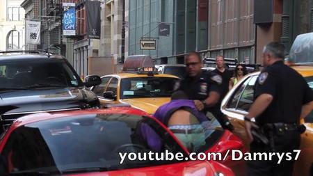 Un Ferrari 458 Spider, un conductor con chulería y un policía desquiciado