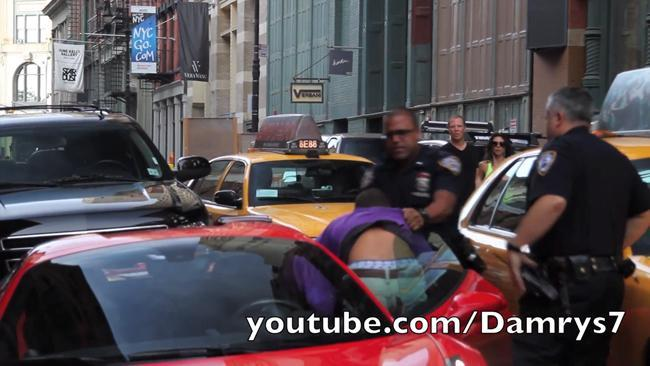 Ferrari 458 Spider vs Cops NY
