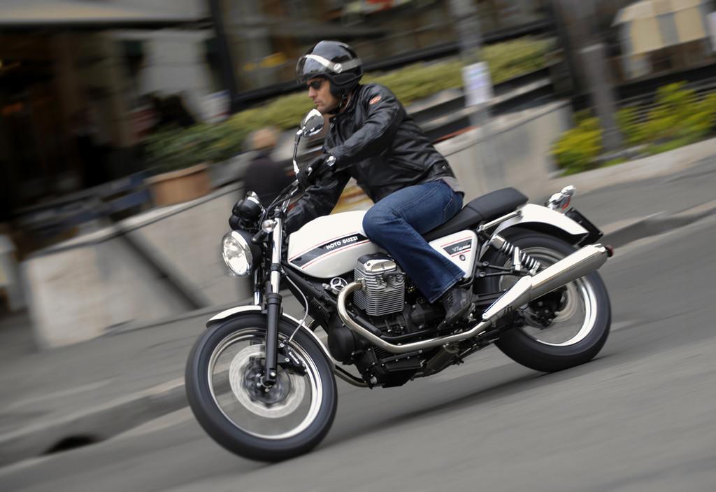 Foto de Moto Guzzi V7 Classic (35/42)