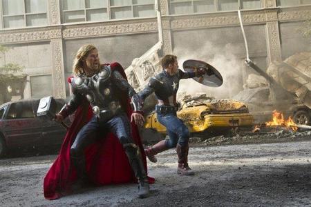 Capitán América y Thor en acción