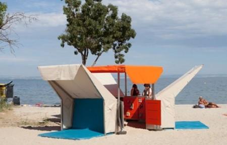 Para leer en verano es genial contar con una biblioteca en la playa