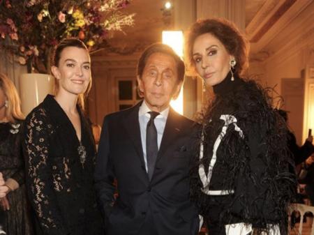 Este es el look que ha elegido Marta Ortega para asistir al desfile de Valentino Alta Costura, de low-cost parece que tiene poco