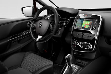 Salpicadero Renault Clio con R-Link