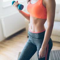 Gomas elásticas o mancuernas: qué comprar para entrenar en casa