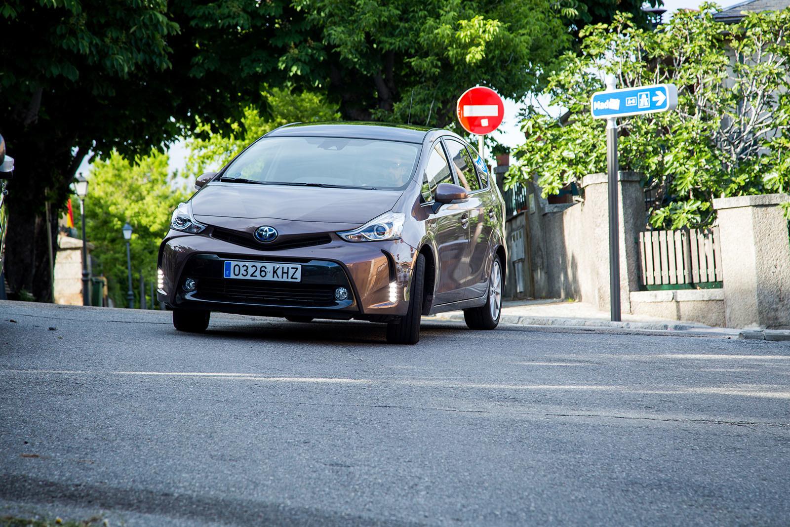 Foto de Toyota Prius+ Adanvance - Fotos de acción (9/16)