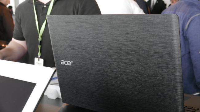 Foto de Acer Aspire E 2015 (18/24)