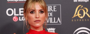 Ana Fernández estrena un estupendo flequillo en la alfombr a roja de los Premios Goya 2020