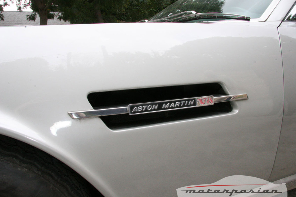 Aston Martin V8 De 1977 4 16