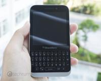 BlackBerry Kopi desde todos los ángulos