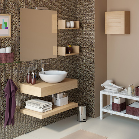 Plan en la naturaleza: cómo embellecer tu baño con materiales naturales