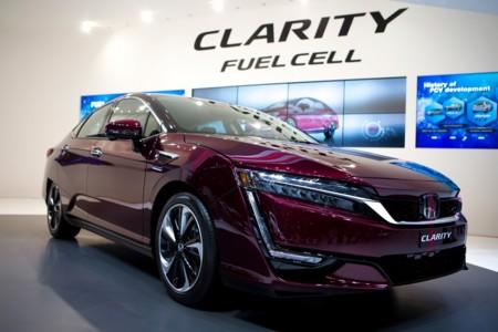 El Honda FCX Clarity comienza a comercializarse en Japón por unos 61.000 euros al cambio