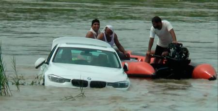 Desagradecido nivel: tus padres te regalan un BMW y lo tiras al río porque querías un Jaguar