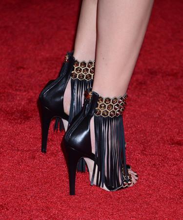 ¿Zapatos de salón o sandalias de fiesta? La alfombra roja del MET escogió a su favorito