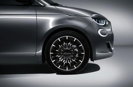 Fiat 500e 2020 16