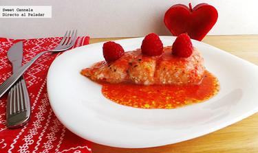Salmón en salsa de frambuesa. Receta para San Valentín