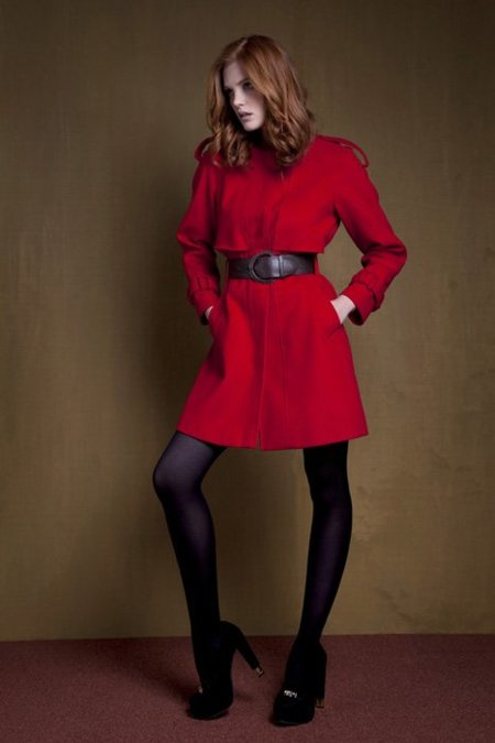 abrigo rojo Primark