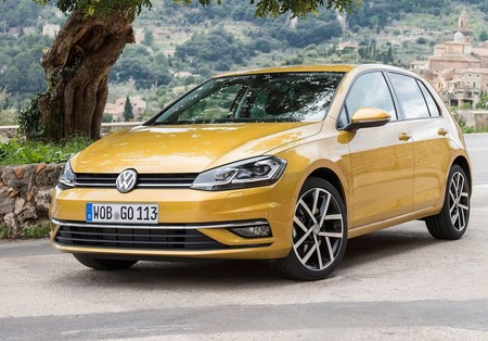 Volkswagen Golf 2017 1600 01