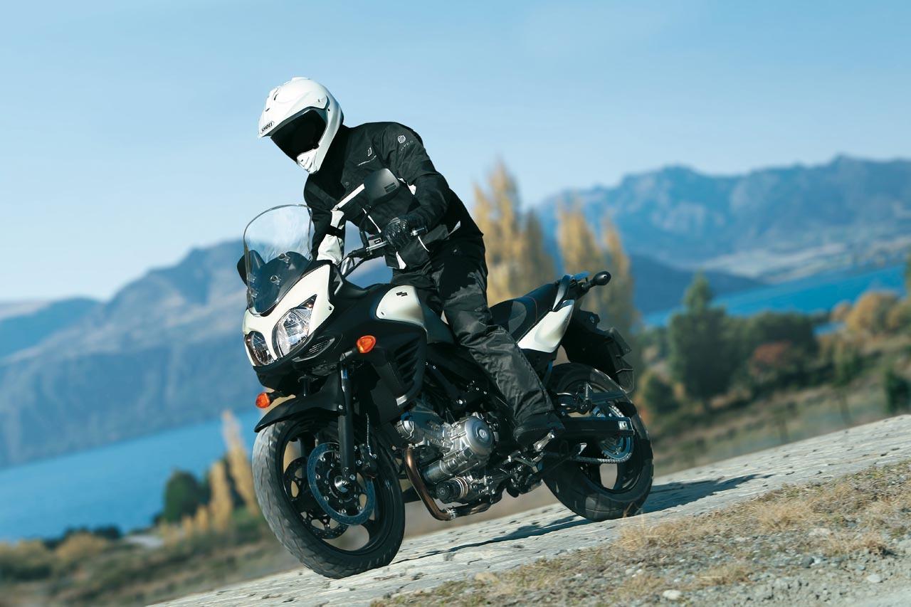 Foto de Suzuki V-Strom 650 2012, fotos de ambiente y accesorios (8/32)