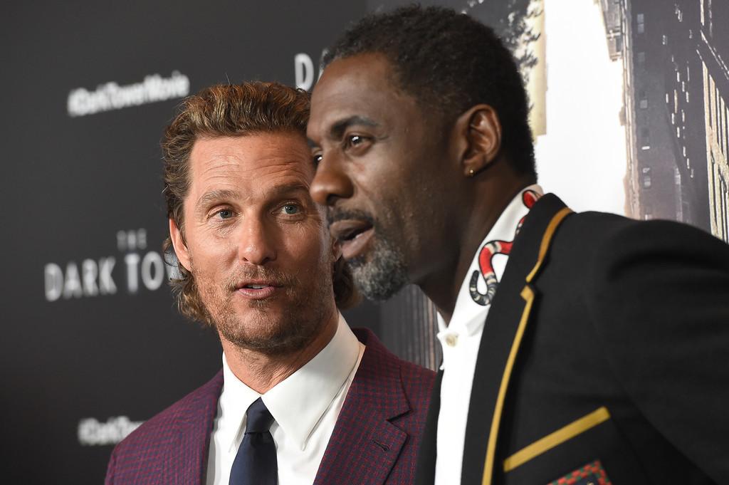 Duelo De Estilo En La Premiere De The Dark Tower Con Matthew Mcconaughey E Idris Elba 1