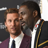 Duelo de estilo en la premiere de 'The Dark Tower' con Matthew McConaughey e Idris Elba