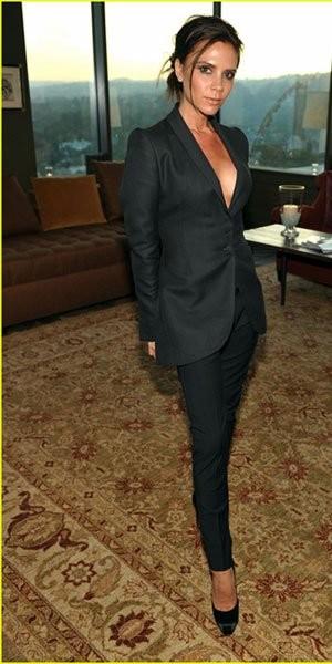Rachel Bilson, Victoria Beckham, Eva Longoria y Kristen Bell cenan con el diseñador Brian Atwood