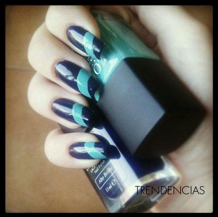 Nail Art con dos esmaltes de Lola Make-up, ¡manicura con mucho arte! Lila y turquesa