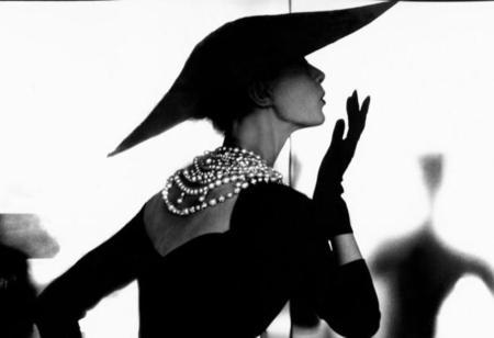 Lillian Bassman llega a la Fundación Loewe: cuando la fotografía de moda se convirtió en arte