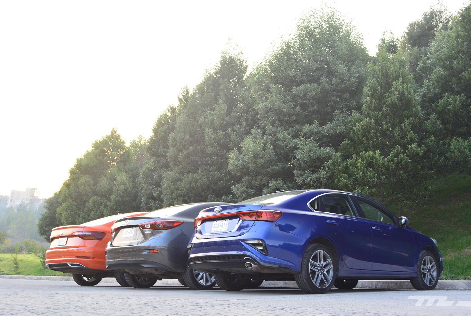 Foto de Comparativa: Mazda 3 2018 vs. KIA Forte vs. Volkswagen Jetta (5/31)