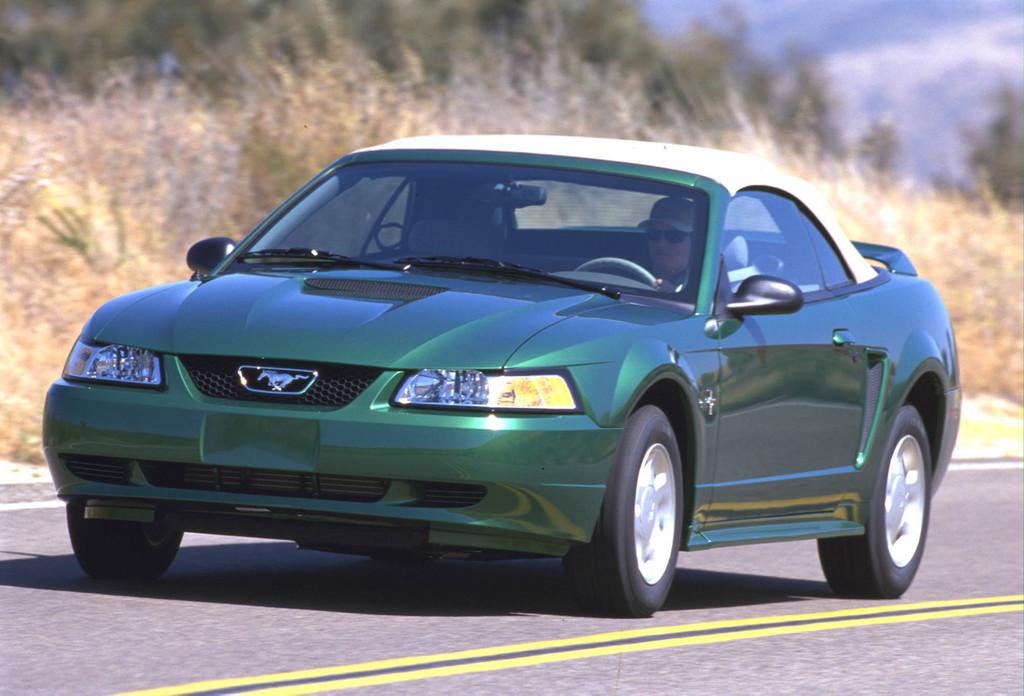 Ford Mustang: generación 1994-2004