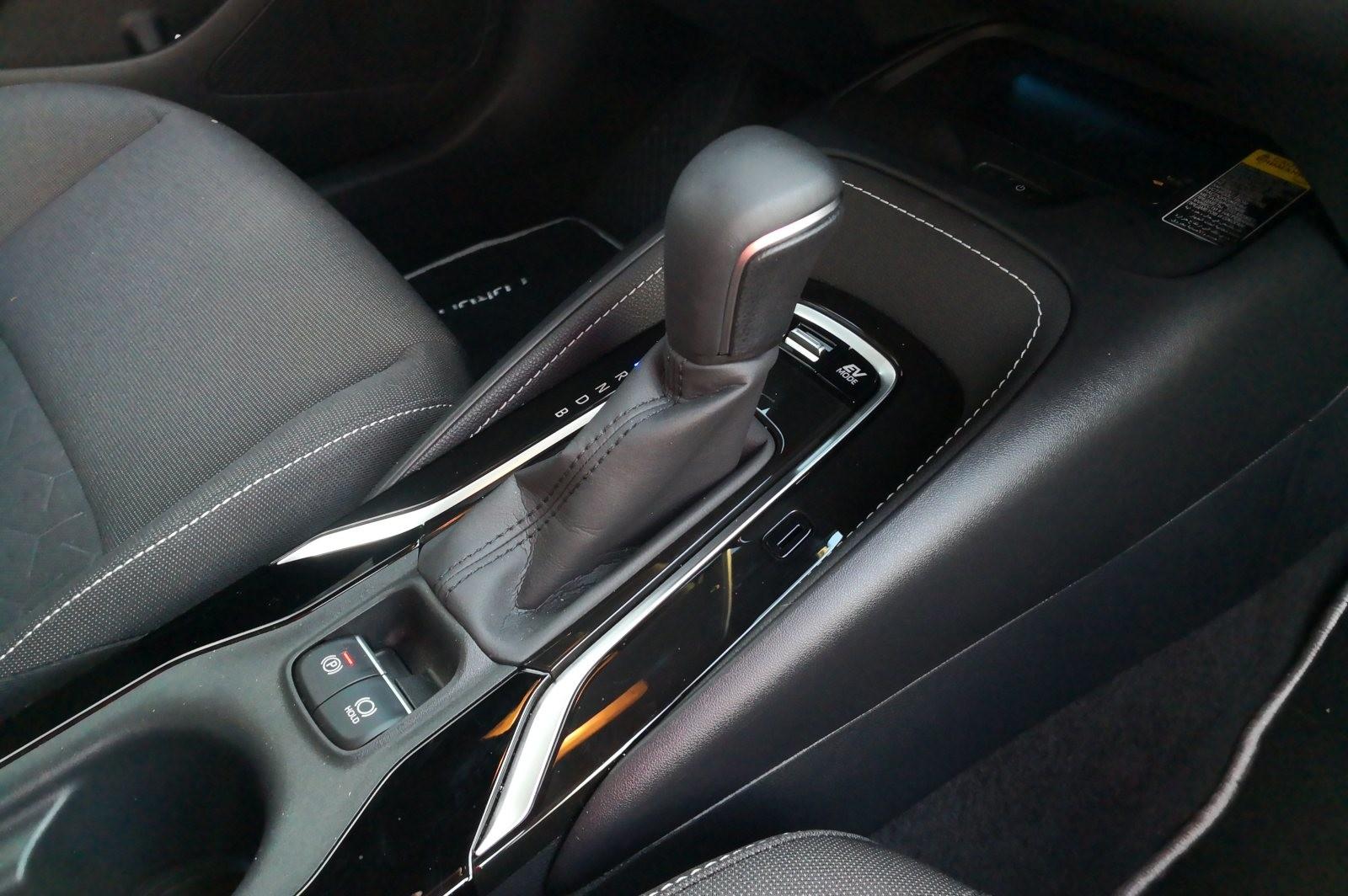 Foto de Toyota Corolla 125H - Imágenes del interior (12/14)