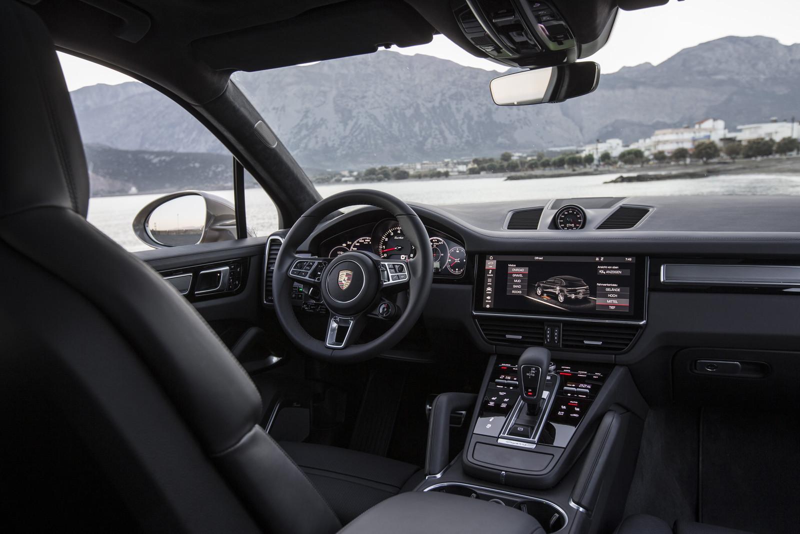 Foto de Porsche Cayenne Turbo 2018 (20/71)