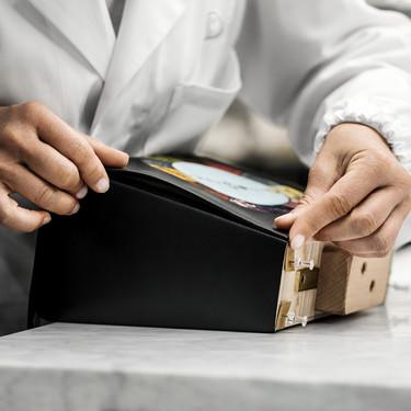 Estas son las diferencias entre un bolso de piel low cost y uno de lujo que tiene en cuenta un experto en bolsos a la hora de comprar