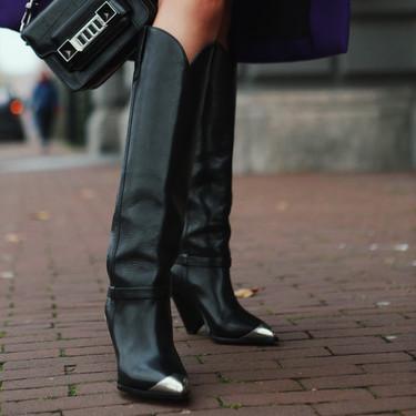 Clonados y pillados: Uterqüe lanza un clon de las famosas botas cowboy de Isabel Marant