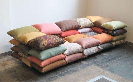 Sofá hecho con cojines - colores