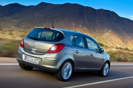Opel Corsa 2011 5p 02