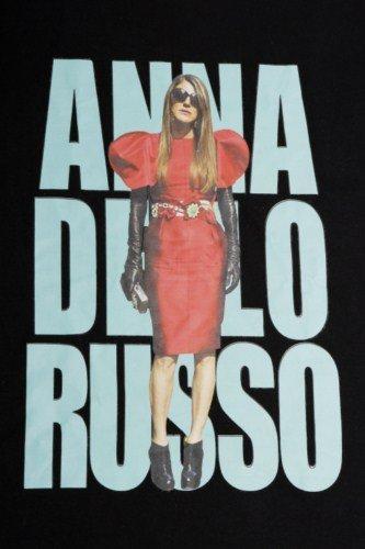 Anna Dello Russo colabora con Yoox en la colección J´ADR. 10 camisetas con sus 10 mejores looks