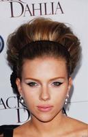 Peinados navideños, por Scarlett Johansson