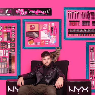 Los NYX Face Awards hacen historia makeup con el primer ganador masculino: ¡Víctor lo mola todo!