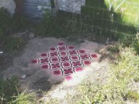 Baldosa hidráulica en los lugares más insospechados a golpe de graffiti
