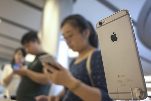 Por qué el 'affaire' Huawei podría empujar a Foxconn y Apple fuera de China