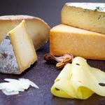 ¿Queso normal o bajo en grasa? Cómo afecta este dato a nuestro colesterol