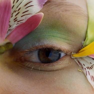 Este otoño 2020 tu mirada esconderá un arcoíris a todo color: así es la última tendencia de maquillaje que enamora