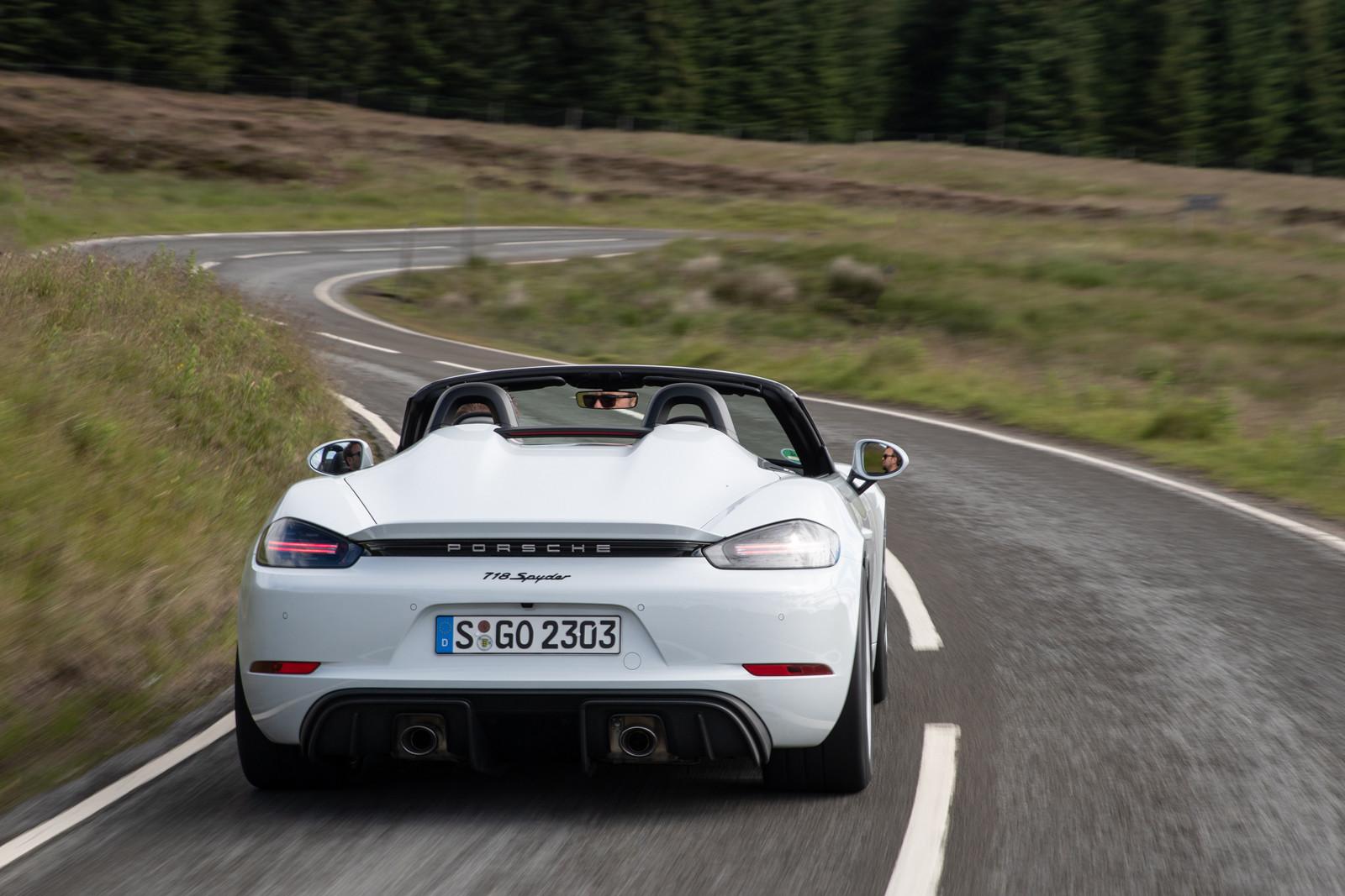 Foto de Porsche 718 Spyder (prueba contacto) (41/296)