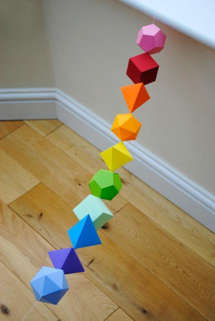 Guirnalda de formas geométricas en 3D